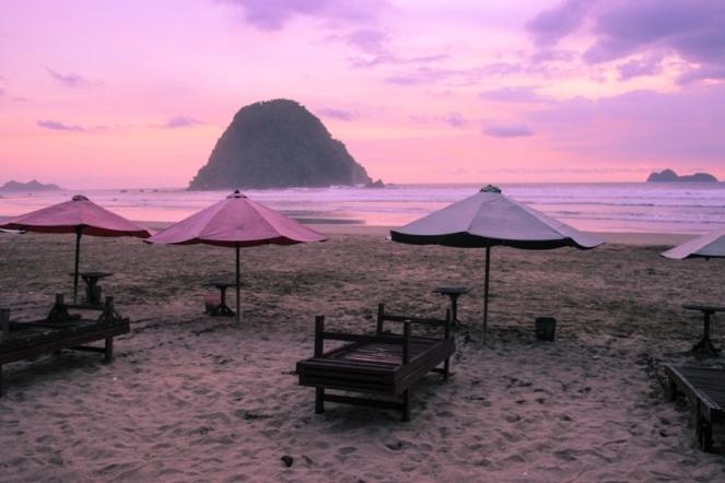 Senja di Pantai Pulo Merah 3